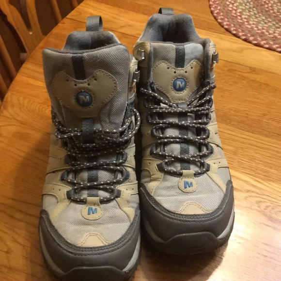 Merrell Shoes - Price firm! Merrell women s hiking boots 2848056a86